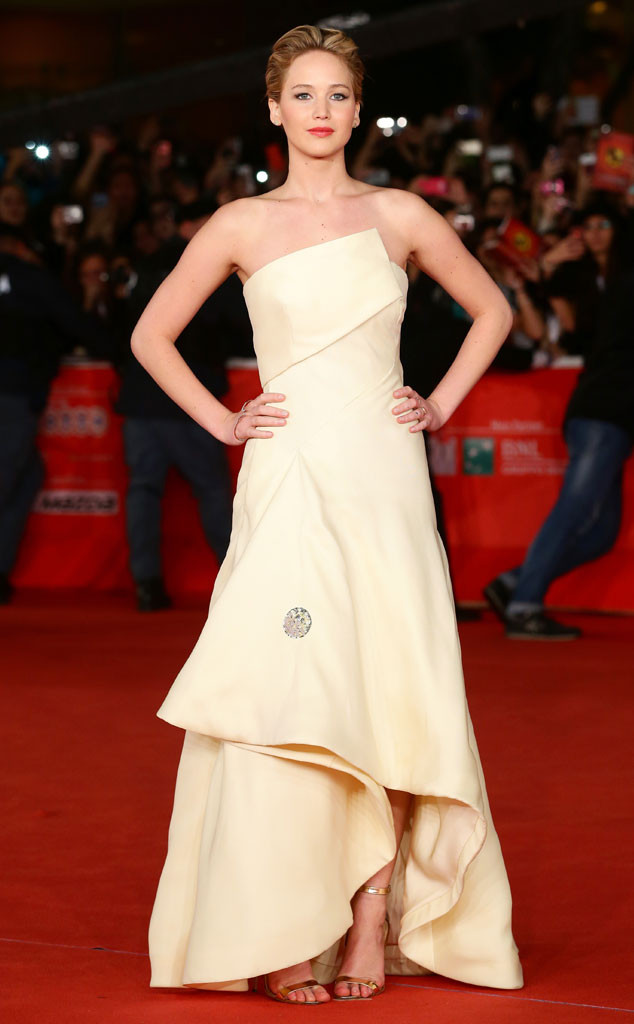 rs_634x1024-131114115909-634.jennifer-lawrence.cm.111413